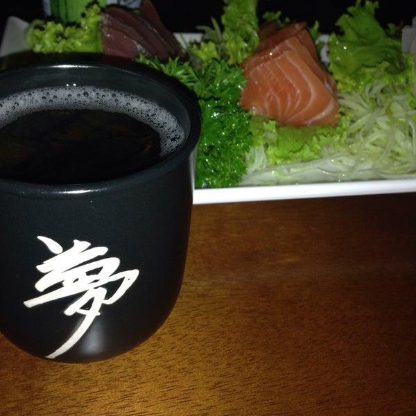 Excelente opção para a região. Sushi e sashimi de excelente qualidade. O Temaki Skin com muito recheio!