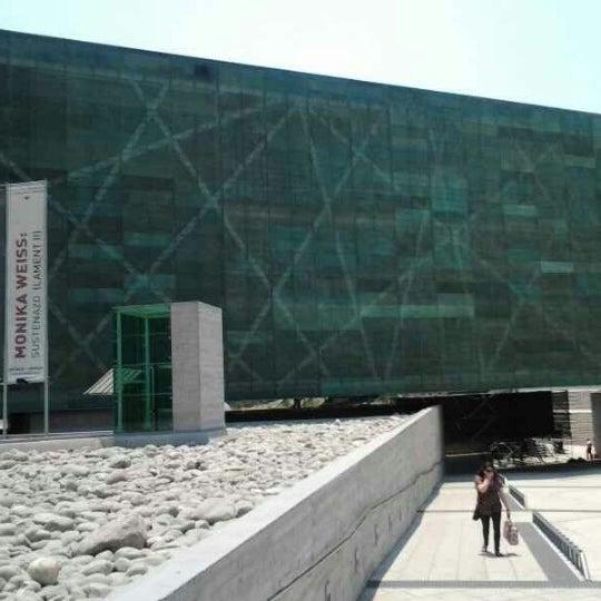 Foto diambil di Museo de la Memoria y los Derechos Humanos oleh Victor A. pada 1/17/2013