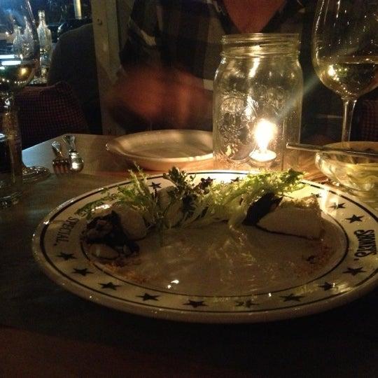 Das Foto wurde bei The Federal Food Drink & Provisions von Marina S. am 11/3/2012 aufgenommen