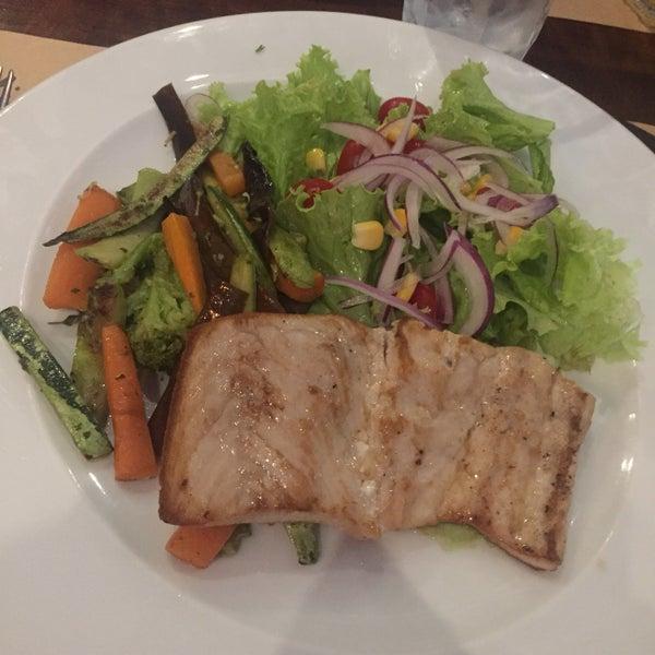 Ótimo almoço executivo, na faixa de 25-30 reais, com chá gelado, pãozinho e sobremesa inclusos!!