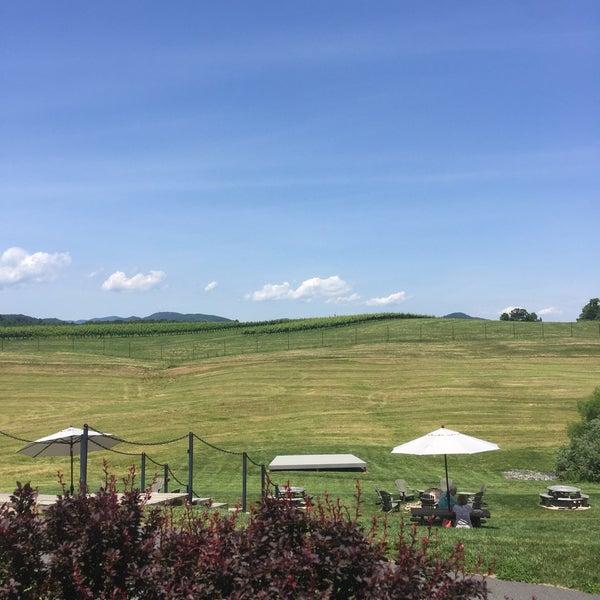 Снимок сделан в Early Mountain Vineyards пользователем Scott S. 6/10/2017