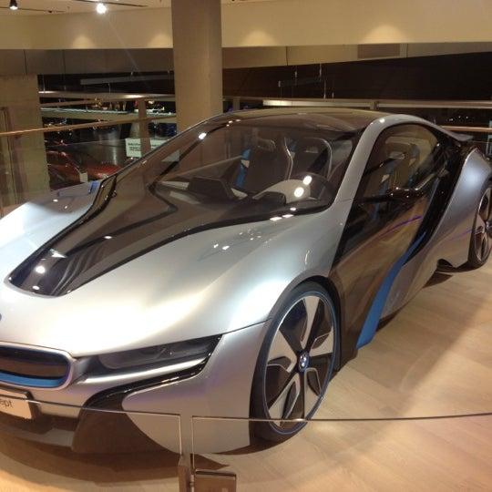 Foto tirada no(a) BMW Welt por Julian G. em 1/30/2013