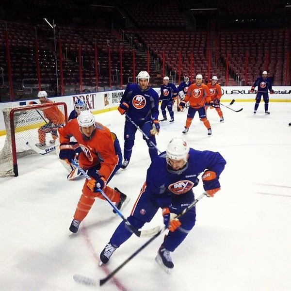 Foto tomada en BB&T Center por NY Islanders el 3/15/2013