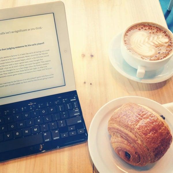12/30/2012にNagzah A.がCondesa Coffeeで撮った写真
