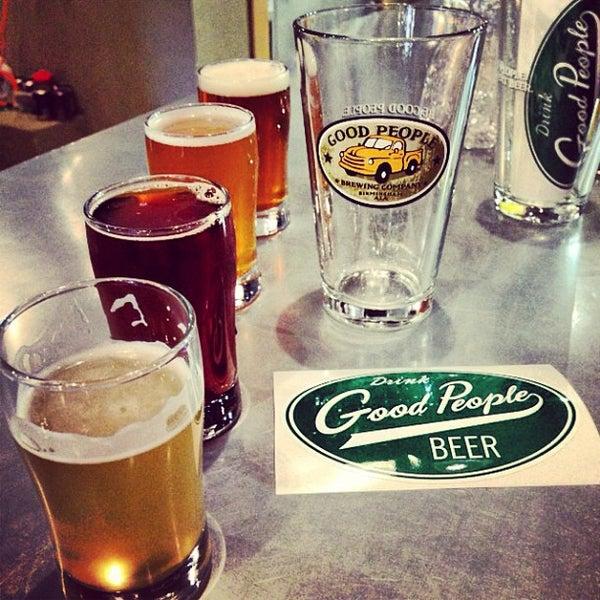 Foto diambil di Good People Brewing Company oleh Allie F. pada 5/25/2013