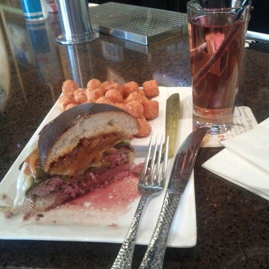 Das Foto wurde bei Rehab Burger Therapy von Ed M. am 10/27/2012 aufgenommen