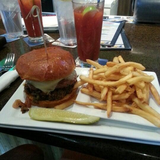 Das Foto wurde bei Rehab Burger Therapy von Ed M. am 12/9/2012 aufgenommen