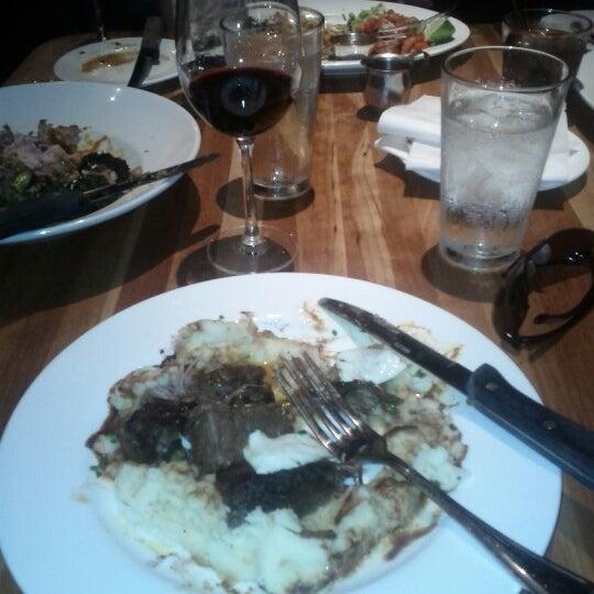 Foto tomada en Chelsea's Kitchen por Ed M. el 9/14/2012