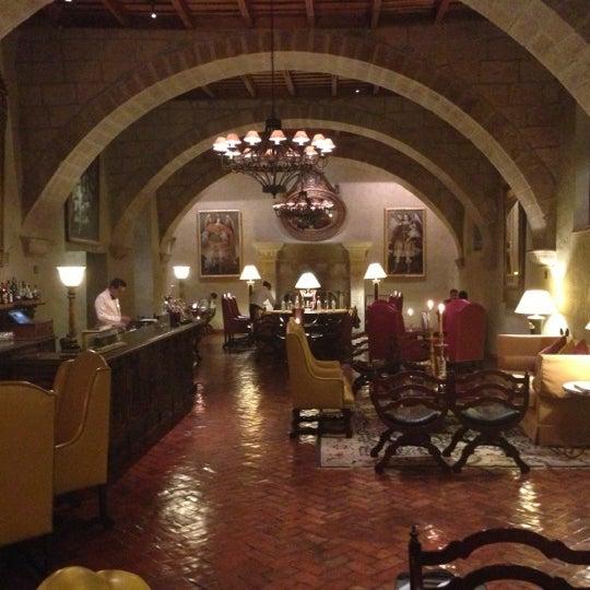 Foto diambil di Belmond Hotel Monasterio oleh Greg G. pada 11/19/2012