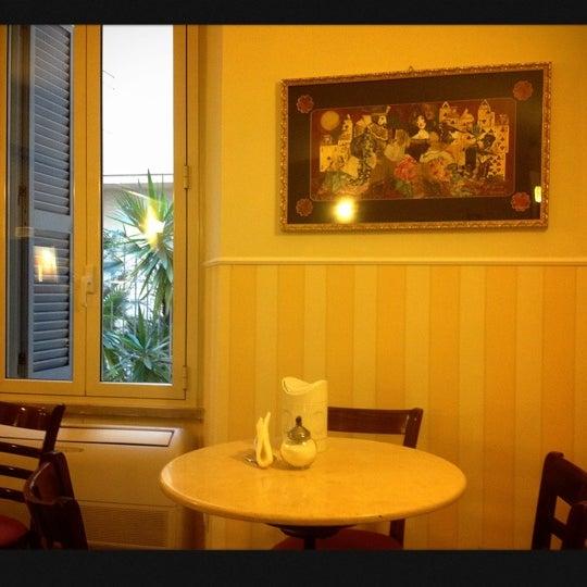 11/9/2012 tarihinde Rincy L.ziyaretçi tarafından Hotel Des Artistes'de çekilen fotoğraf