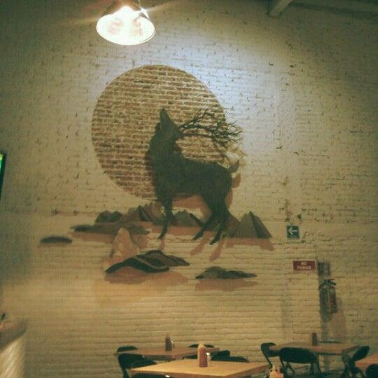 11/11/2012にCarlos ShueがSmokey's Burger Houseで撮った写真
