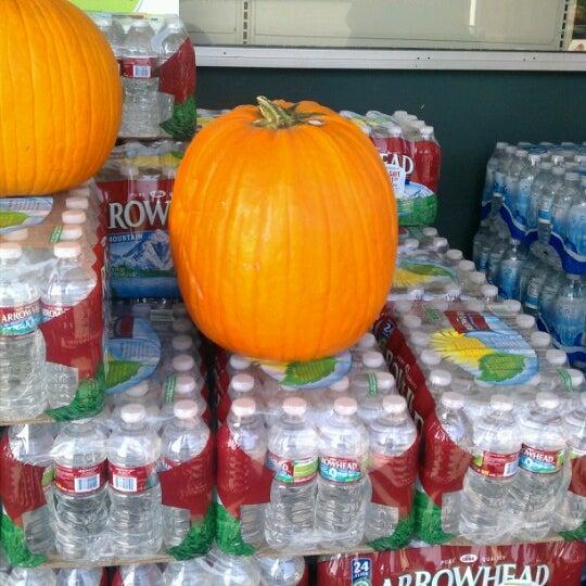 9/26/2012에 Dorothy D.님이 Safeway에서 찍은 사진