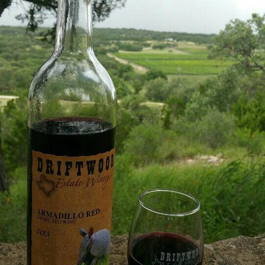 Foto diambil di Driftwood Estate Winery oleh Timothy J. pada 7/1/2015