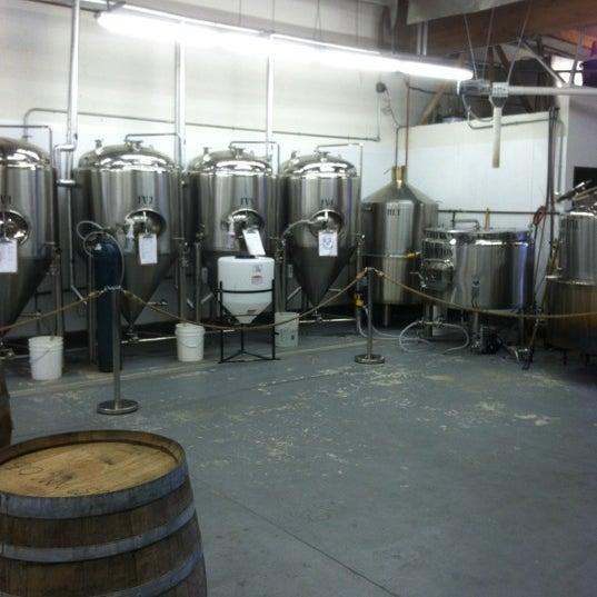 Foto diambil di Helm's Brewing Co. oleh Loren D. pada 12/3/2012