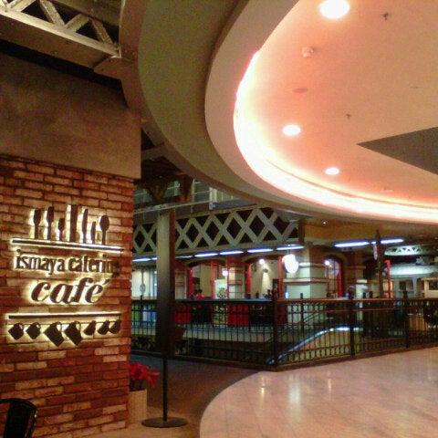 Das Foto wurde bei The People's Cafe von Rika E. am 12/8/2012 aufgenommen