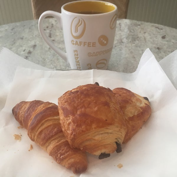 รูปภาพถ่ายที่ Croissanteria โดย Dilek K. เมื่อ 3/16/2017