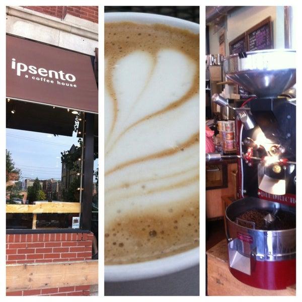 Foto tomada en Ipsento Coffee House por Michael D. el 8/27/2013