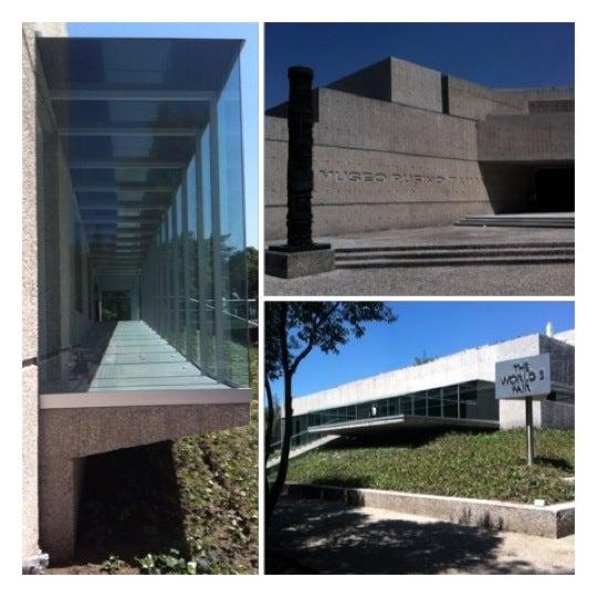 Foto tomada en Museo Tamayo por Paul M. el 10/7/2012