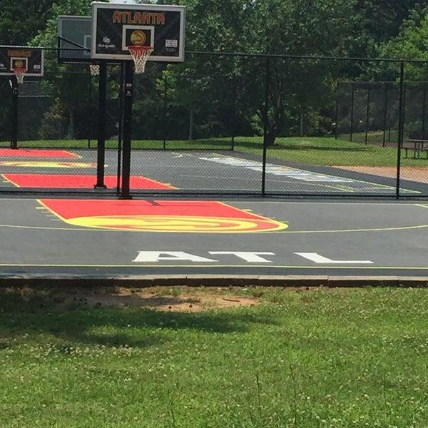 Grant Park Basketball Court - Grant Park - 34 visitors
