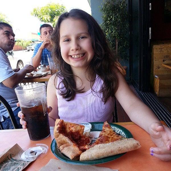 Foto diambil di Woodstock's Pizza oleh Francisco Z. pada 6/27/2013
