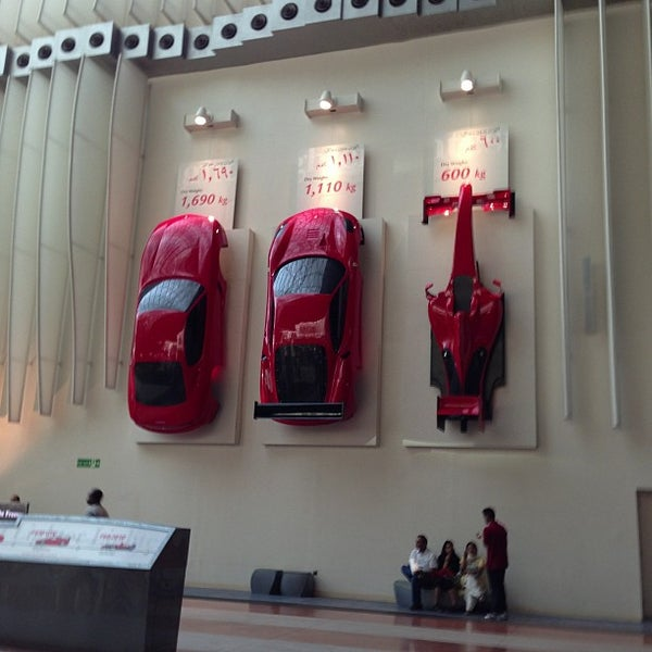 Foto tomada en Ferrari World Abu Dhabi por Иван П. el 1/5/2013