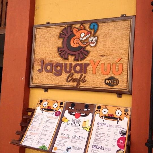 Foto tomada en Café Jaguar Yuú por Jonito O. el 1/5/2013