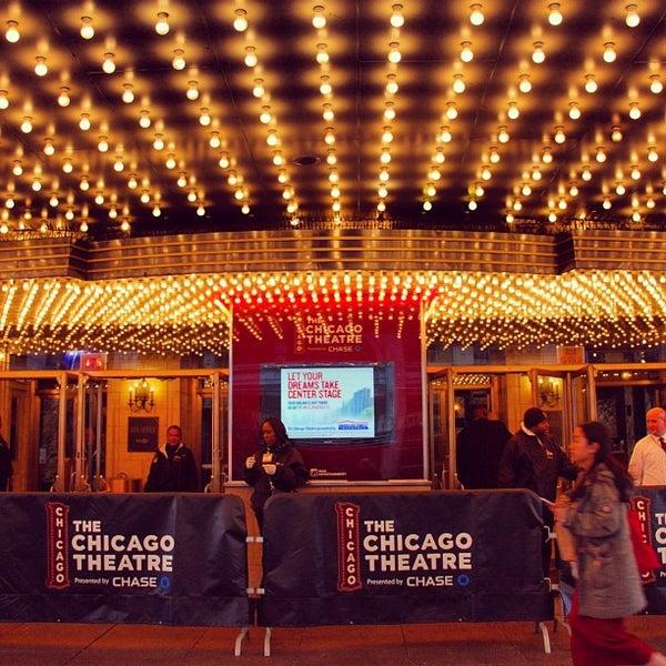 8/10/2013에 Gurdal T.님이 The Chicago Theatre에서 찍은 사진