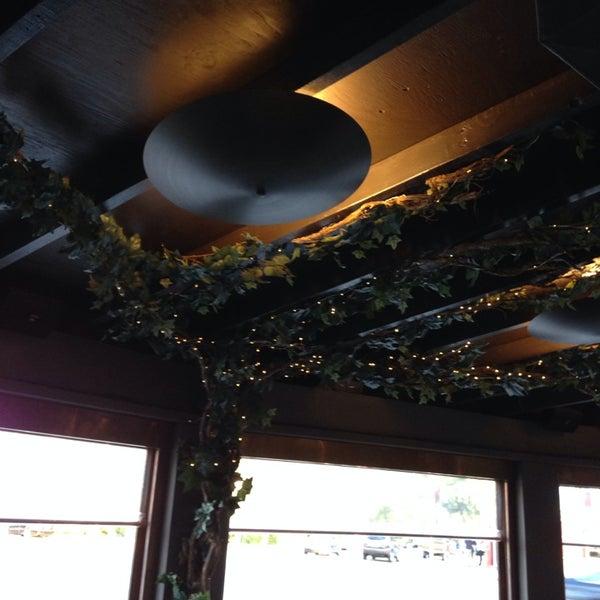 Das Foto wurde bei Mo's Restaurant von David S. am 8/20/2014 aufgenommen