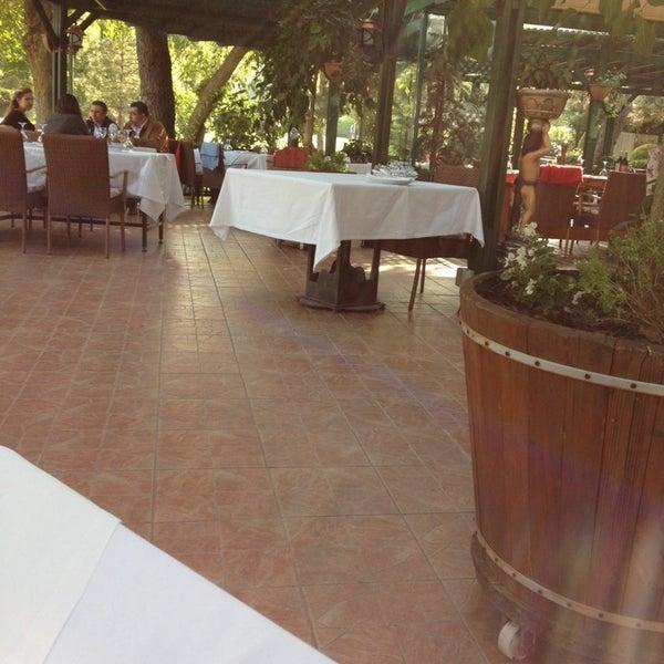 Das Foto wurde bei Ristorante Bella Vista Bahçeşehir von Aybike A. am 10/7/2014 aufgenommen