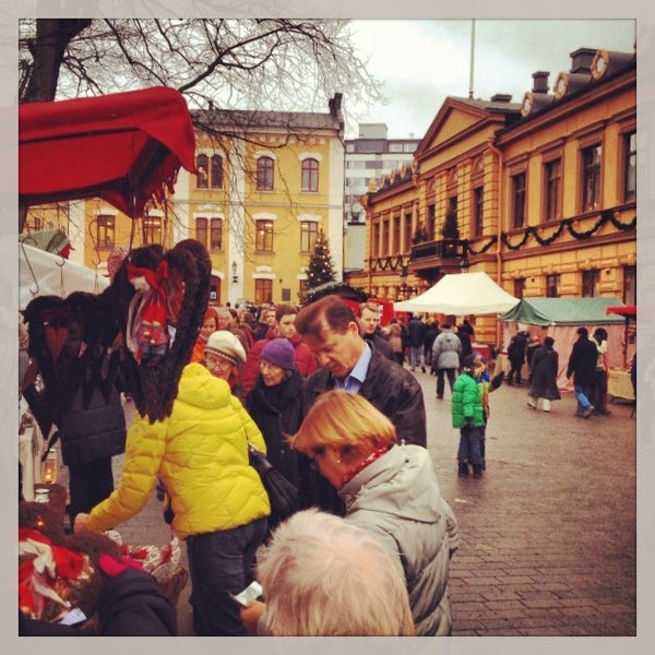 Foto scattata a Vanhan Suurtorin Joulumarkkinat da Jari S. il 12/15/2013