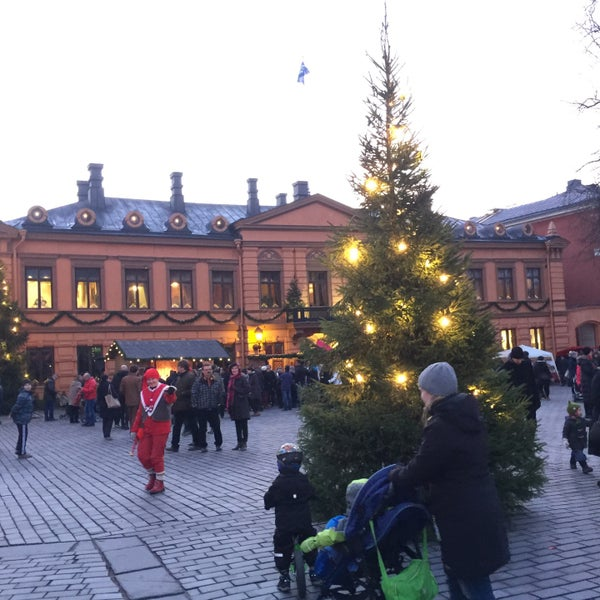 Foto scattata a Vanhan Suurtorin Joulumarkkinat da Jari S. il 12/12/2015