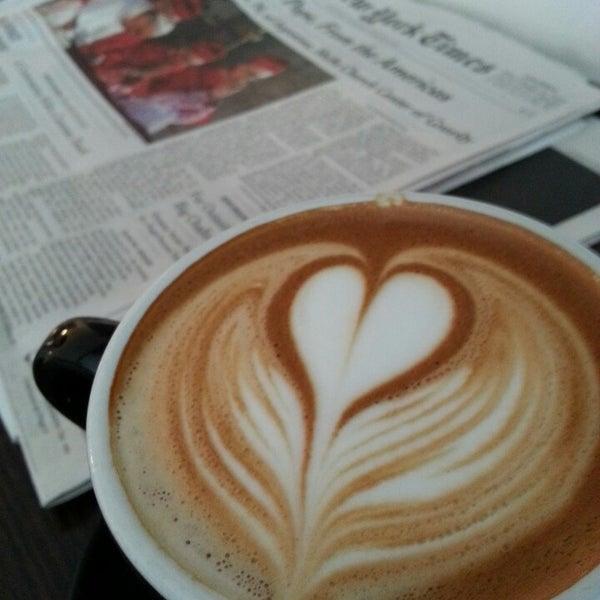 Photo prise au WTF Coffee Lab par Holger B. le3/17/2013
