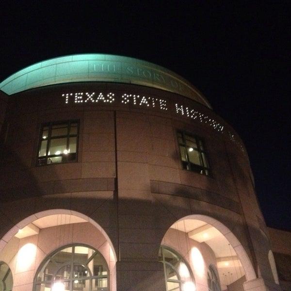 6/9/2013 tarihinde Michele L.ziyaretçi tarafından Bullock Texas State History Museum'de çekilen fotoğraf