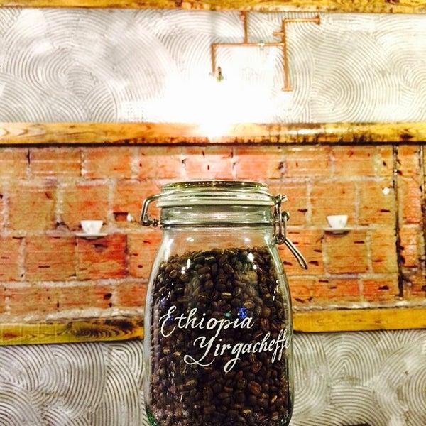 Foto tirada no(a) Deal Coffee Ekspress por No 41 Coffee em 3/15/2015