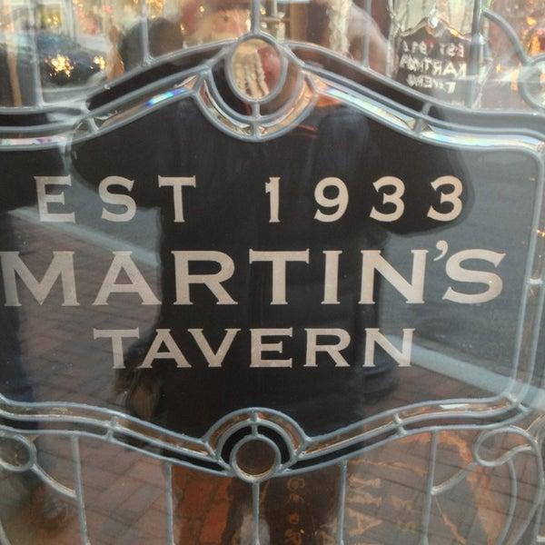 Foto tomada en Martin's Tavern por Martin D. el 12/30/2012
