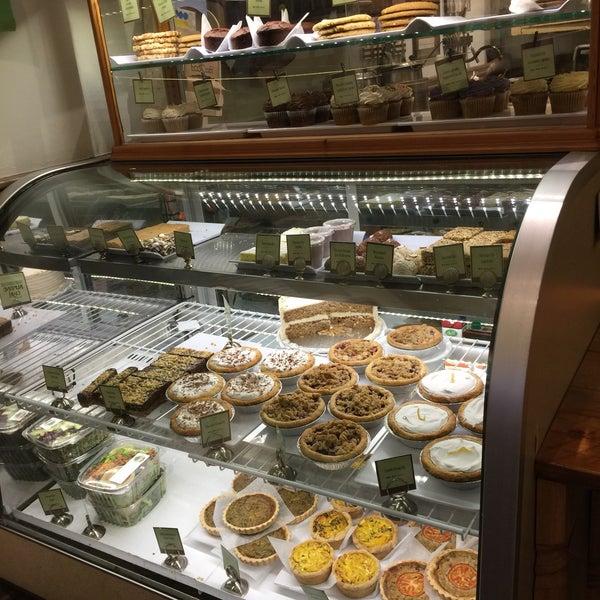 9/17/2016にᴡ W.がBack to Eden Bakeryで撮った写真