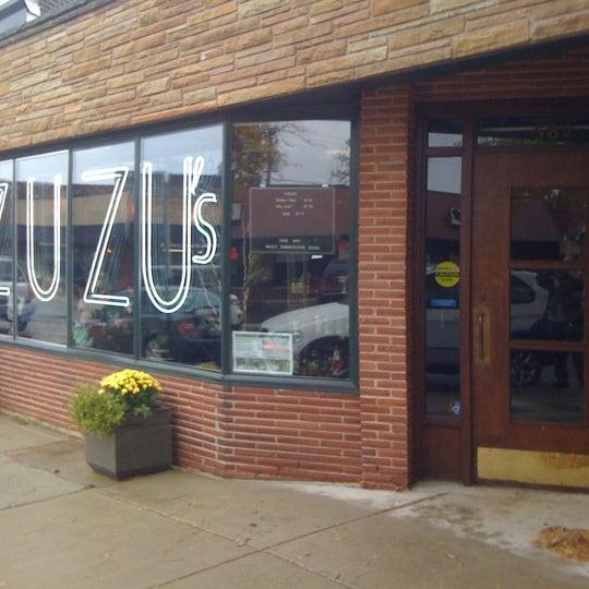 Foto scattata a Madame Zuzu's Tea House da Michael B. il 10/13/2012