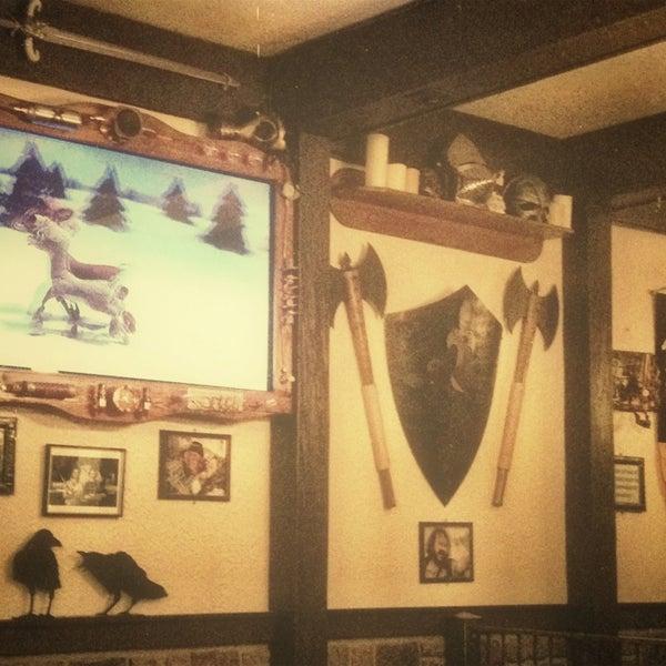 12/23/2012 tarihinde Paul J.ziyaretçi tarafından Storm Crow Tavern'de çekilen fotoğraf