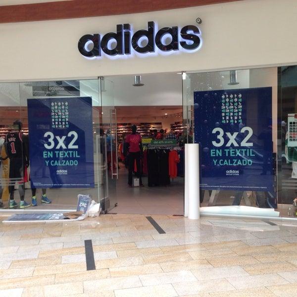 gerente Loza de barro presente  Photos at Adidas outlet store - Sporting Goods Shop in Mexico City