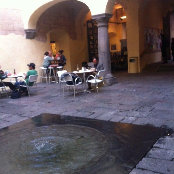 4/17/2014에 Pamela V.님이 Profética - Casa de la Lectura에서 찍은 사진