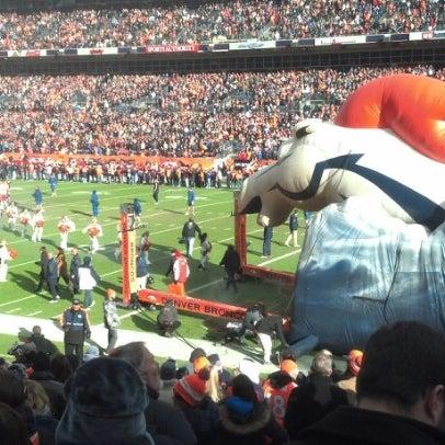 Foto diambil di Broncos Stadium at Mile High oleh Dax A. pada 12/30/2012