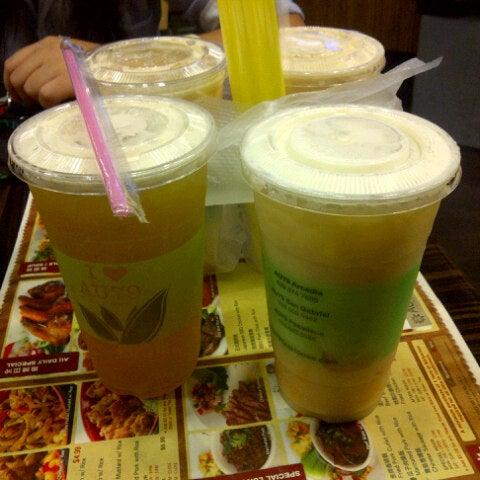 Foto scattata a AU 79 Tea House da Nina An P. il 10/2/2012