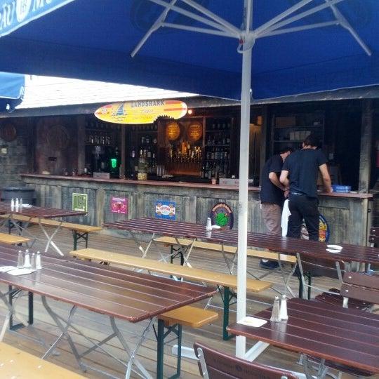 Foto diambil di Beer Authority NYC oleh Ismael R. pada 9/15/2012