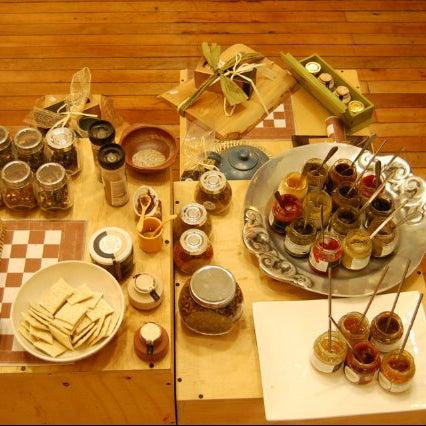 Sabías que los griegos hacen los porotos con salsa de tomate? Especialmente la versión de estofado griego