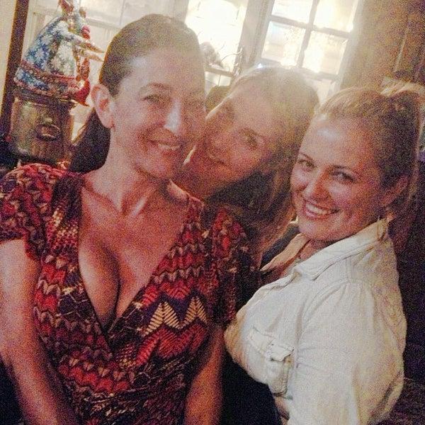 6/22/2013 tarihinde Lisa M.ziyaretçi tarafından Russian House'de çekilen fotoğraf