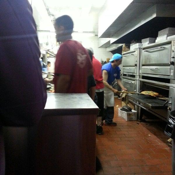 รูปภาพถ่ายที่ Star Tavern Pizzeria โดย Rob 😎🇺🇸🇧🇸 C. เมื่อ 6/8/2013