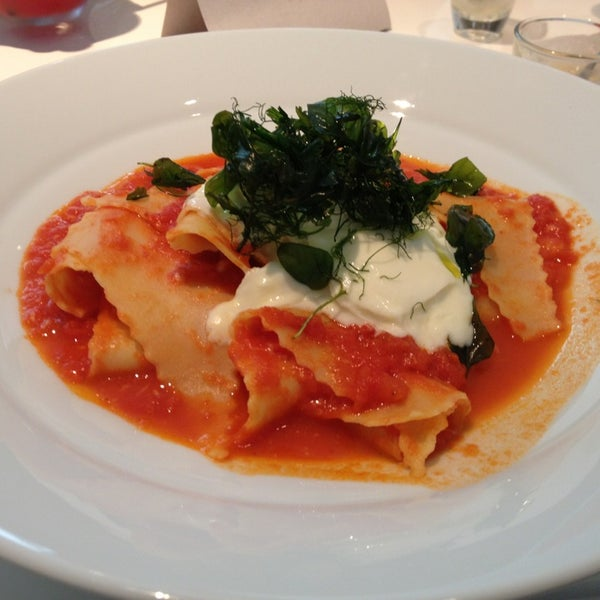 Foto tirada no(a) MIMO Restaurante por Maria E. em 2/23/2013