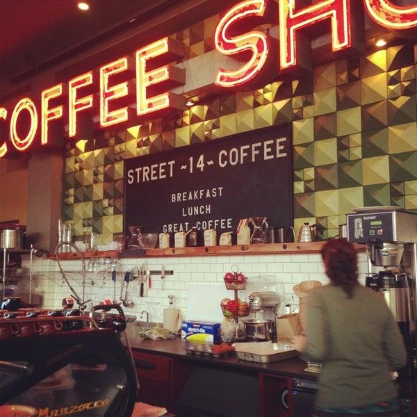 Foto diambil di Street 14 Cafe oleh Britta F. pada 12/23/2012