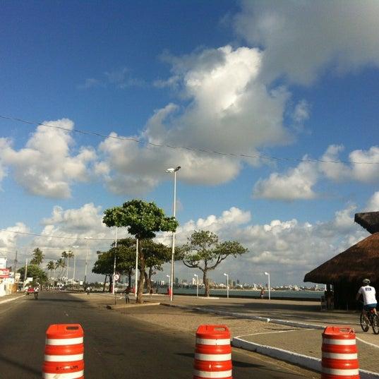 Foto tirada no(a) Atlântico Praia Hotel por Tereza P. em 12/20/2012