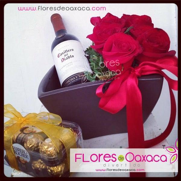 Puedes armar tu combo! Flores + chocolates +  vino  +  globos. :D Lo que más le guste ;)